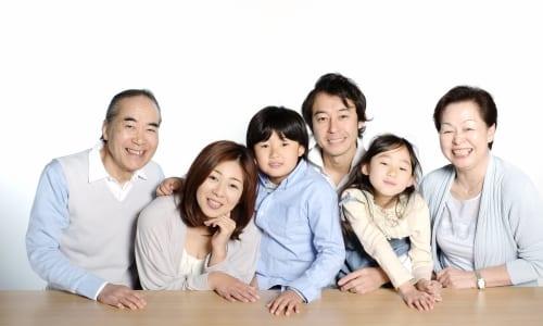 笑顔の核家族